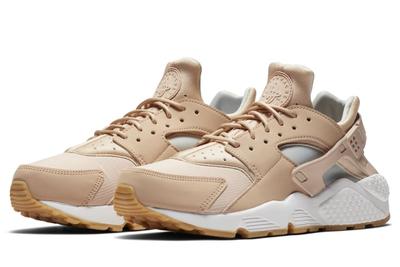 Koop hier de Nike Huarache dames!